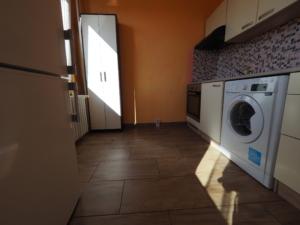 Pronájem bytu 1+kk, Praha 4 – Modřany