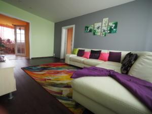 Pronájem rekonstruovaného bytu 4+kk/L, 82 M2, P4 – Libuš, ulice V Rohu